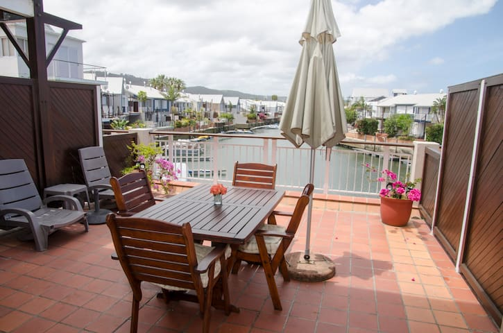 New List Waterfront 3 Quay West- Life on the Water