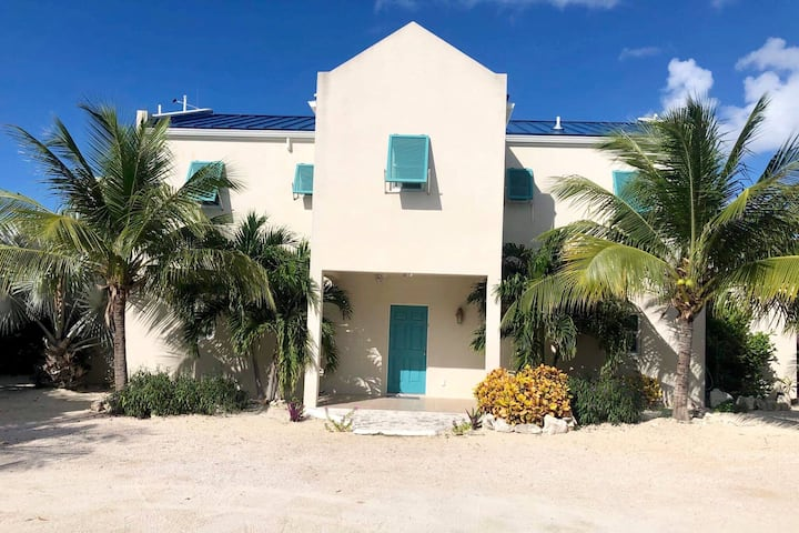Ease Beach Duplex 2 BR, 2Bath *Right on the Beach*