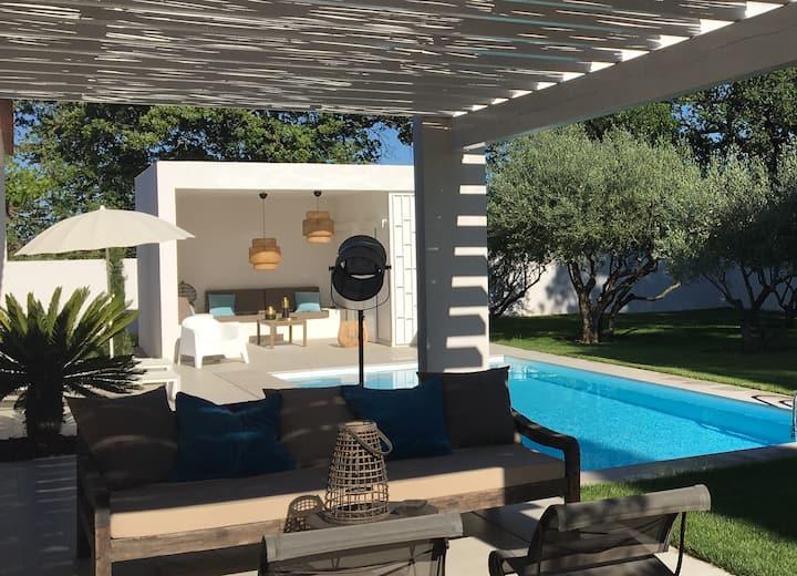 Villa au calme au cœur de La Provence Verte