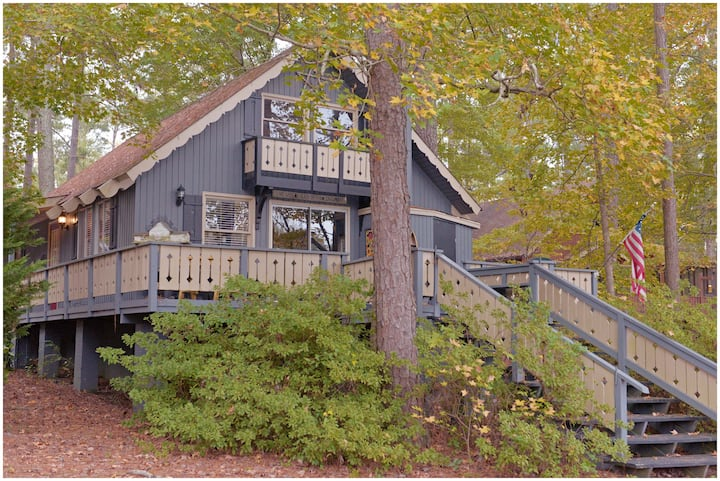 Pine Mountain Club Chalets - Four Bedroom Lakefront #80 - Pet Friendly