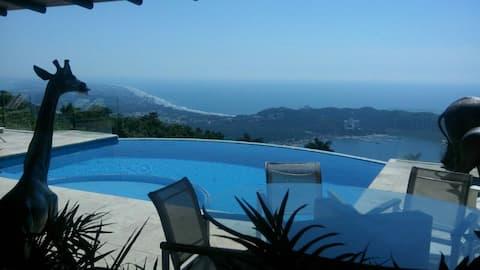 """Villa Diamante en  """"La Cima"""" Acapulco Diamante"""