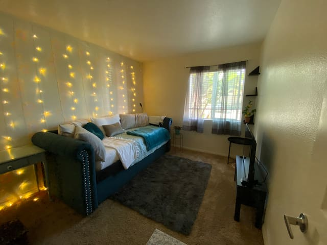 Newly furnished cozy bedroom for 1 person and possibly a small child if needed. This is a new mattress (never been slept on), however, tested &passed the comfort test! Brand new 40in smart TV, Netflix included!