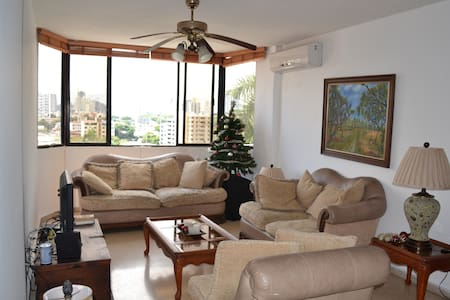 Cozy Homestyle Double Room with Private Bathroom - Panamá