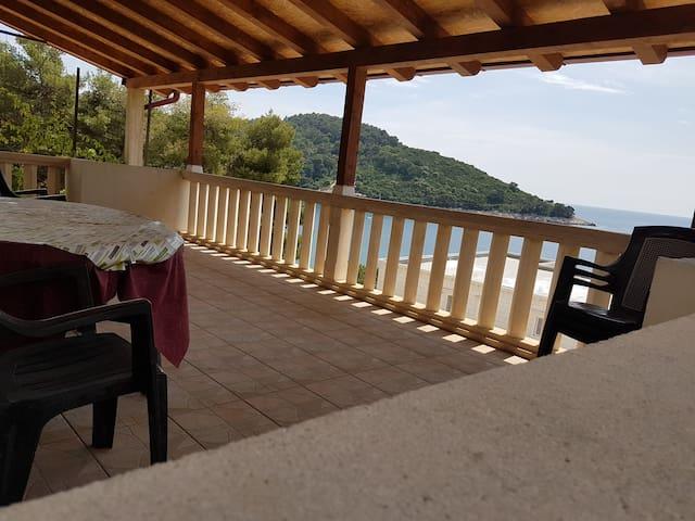 """#5 """"JANY"""" Cosy apt. bay view terrace"""