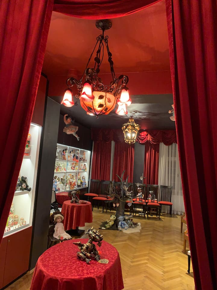 Villa Pazelt, Nacht im Puppenmuseum