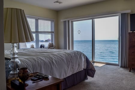 Waterfront Home, step right on to the beach!!!
