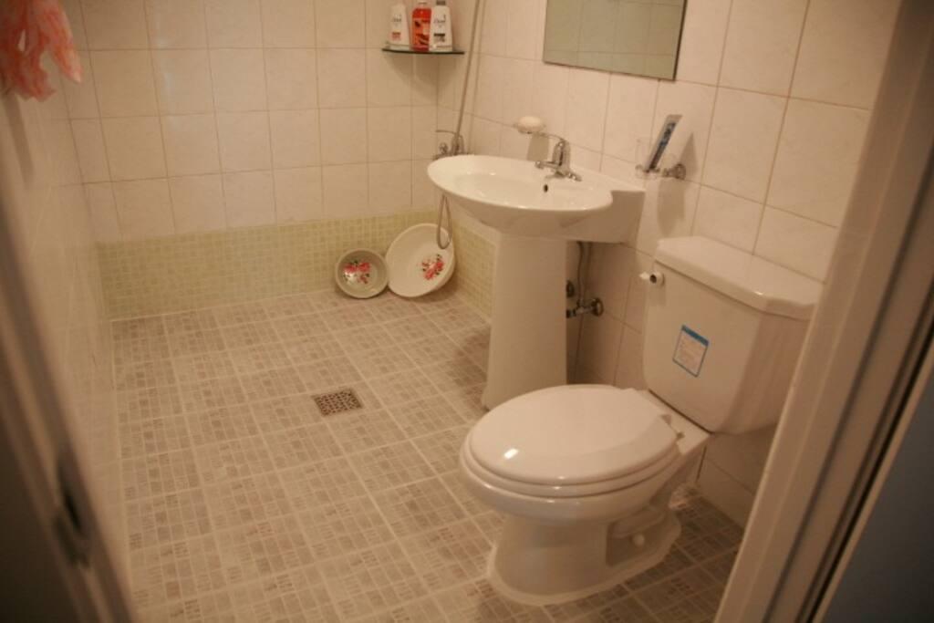 화장실입니다.