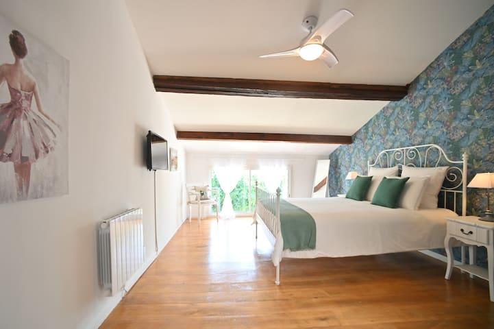 Master Bedroom with Garden View & TV