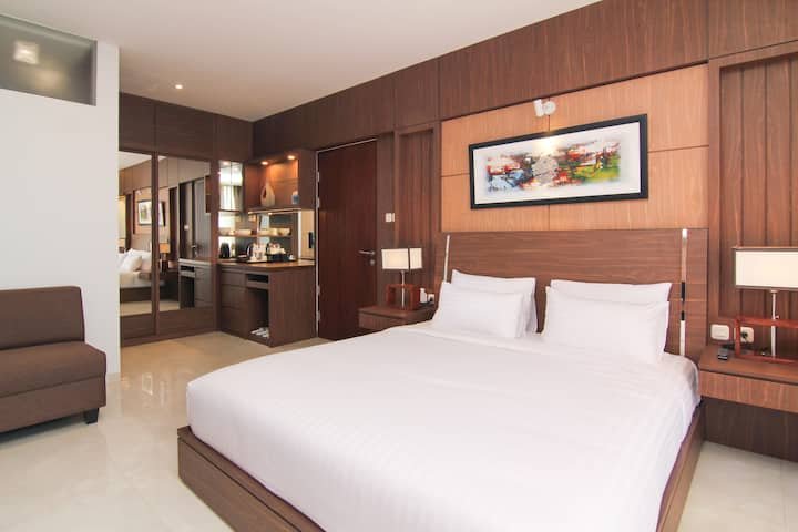 1BEDROOM/1BATH Superior Room at Setra Duta