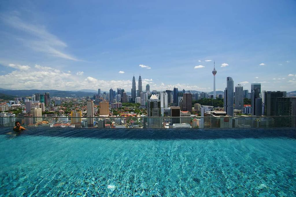 KL city center view from infinity pool at level37
