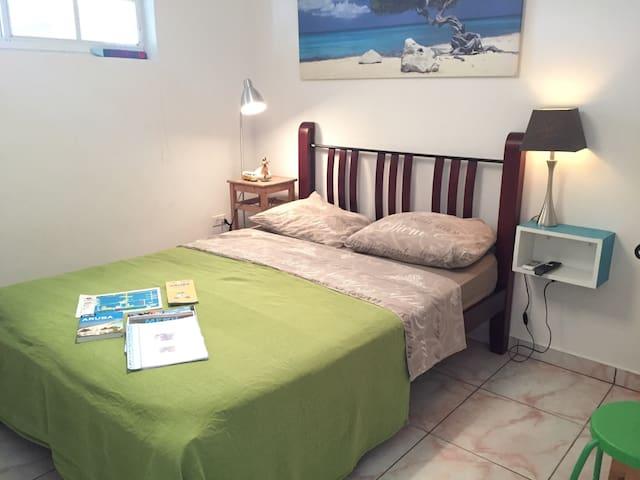 Private room in good area, Noord! - Noord