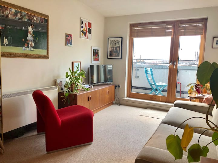 Lovely One Bedroom Flat with Top View - Zone1
