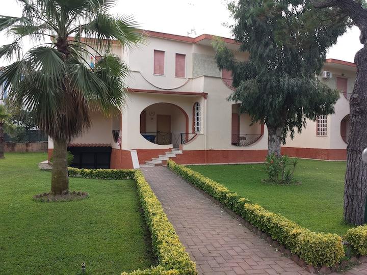 Villa in parco privato