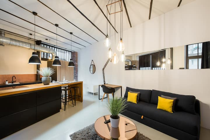 Loft in a quiet area close to the metro station - Professional Cleaning
