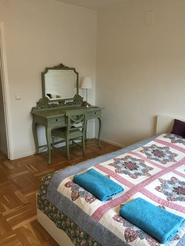 Double room - bright and cozy - Malmö - Wohnung
