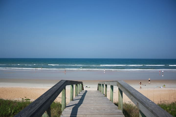 On the Beach Rental , Oceanfront, Flagler Beach - Flagler Beach - Apartment