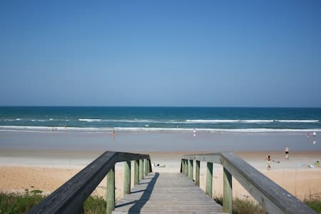 Oceanfront Rental , Beachside, Flagler Beach 32136 - Flagler Beach - Apartment
