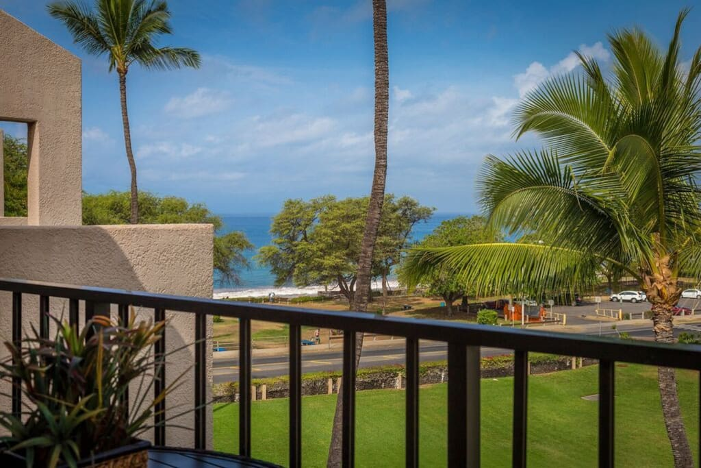 Ocean Views With Kamaole Beach 3 Just Steps From The Condo
