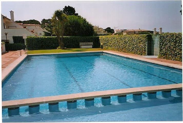 Planta baja con jardín piscina teni - S'Agaró