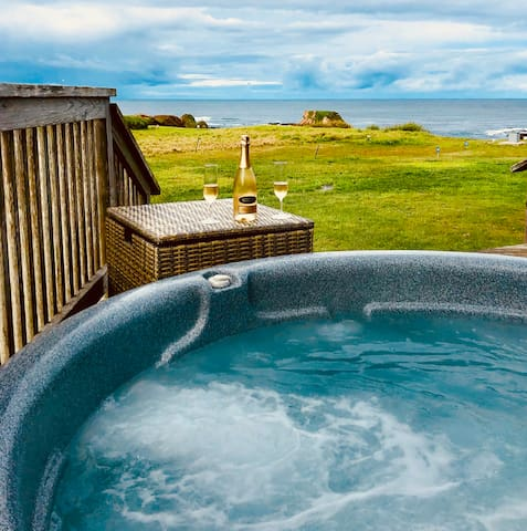❤️ Mendocino Pebble Palace! Oceanfront! Hot Tub!