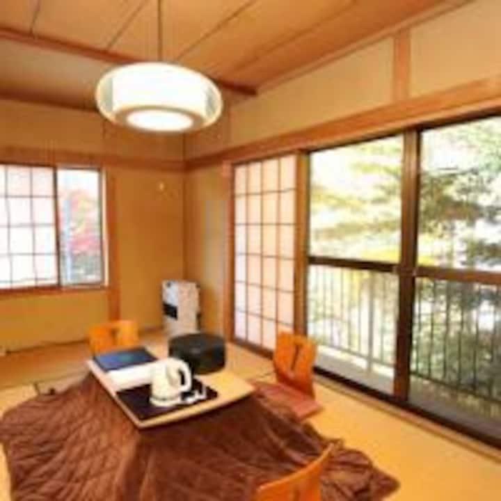 軽井沢 森の中の隠れ宿 Karuizawa Japanese Inn 2名利用