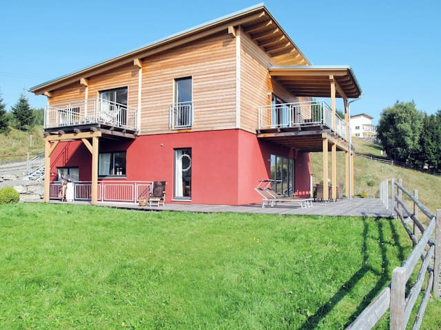 Beautifully designed apartment with amazing views, in idyllic hillside location