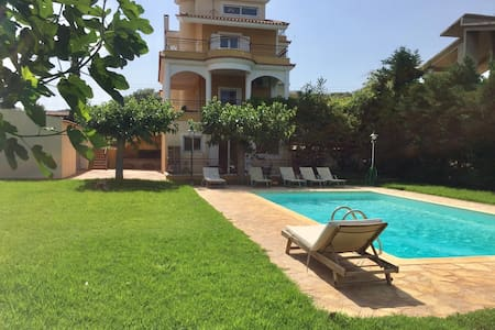 Relaxing Villa with Private Swimming pool & Garden