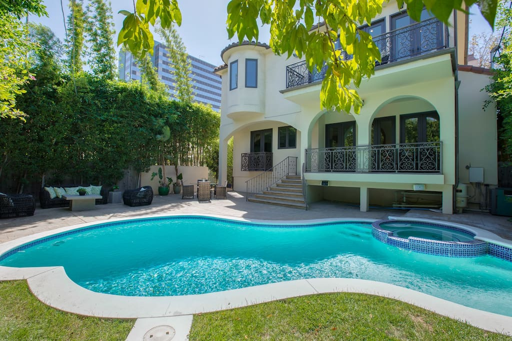 Mediterranean oasis walking distance to rodeo dr h user zur miete in los angeles - Eleganter einrichtungsstil luxus beverly hills ...