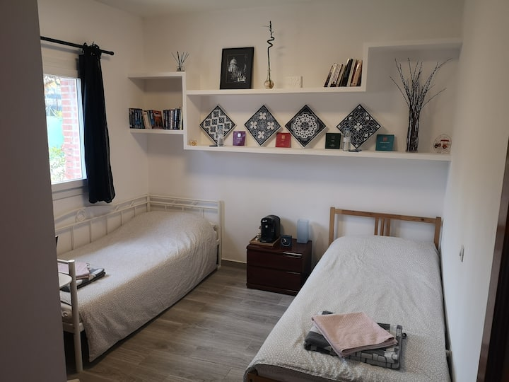 Madrid Green, Twin Room in Forest Villa