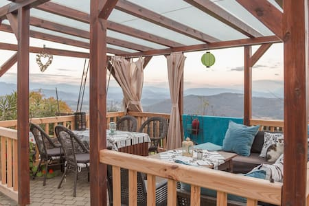 Apartment mit spektakulärer Aussicht am Berg