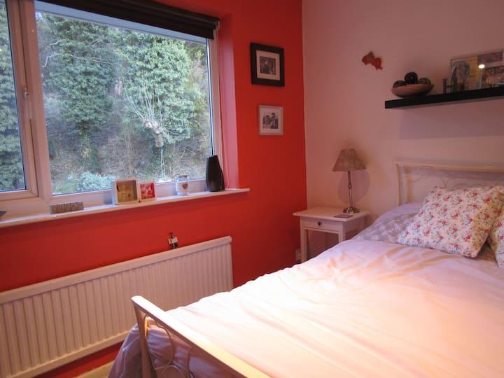 Private modern bedroom in quiet cul de sac.