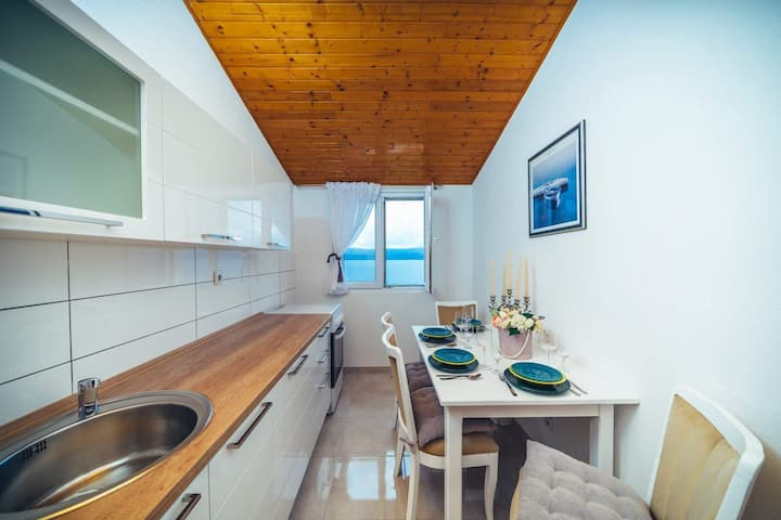 Perfect apartment with 2 bedroom, amazing sea view