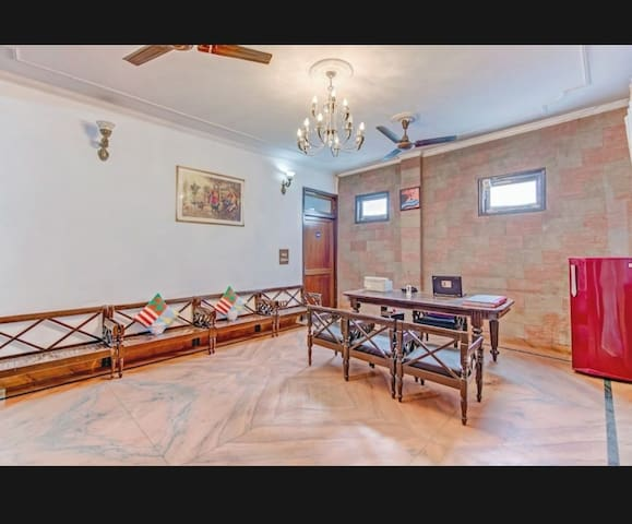Fully loaded 8 bed room with ROOFTOP
