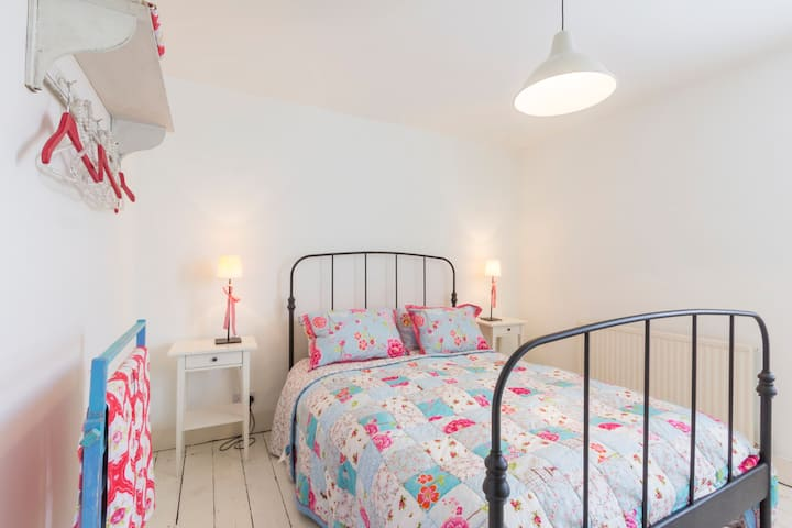 Stylish marine cottage in the heart of Whitstable