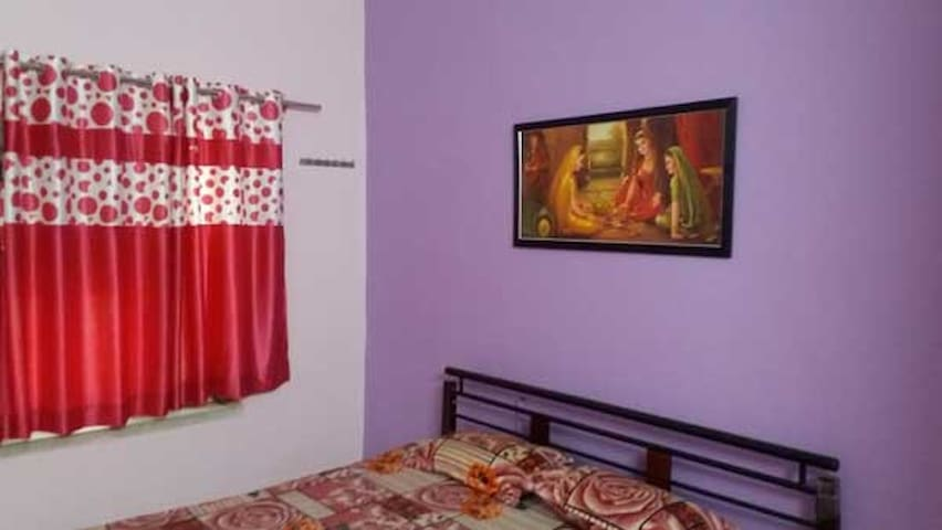Budget Rooms Near Tourist Attraction