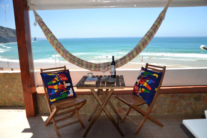 House with 2 bedrooms in Aljezur, with wonderful sea view, furnished balcony and WiFi - 100 m from the beach