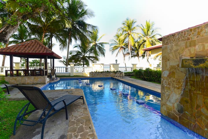 True Beachfront Condo Jaco Beach Village - Herradura - Condominium