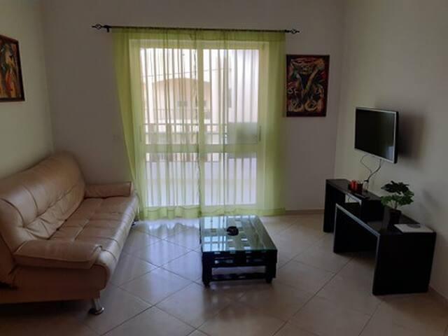 Apartamento T1, bem localizado e bom preço.