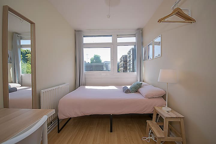 KG3 10% OFF Long Stay | Double Room Brick Lane