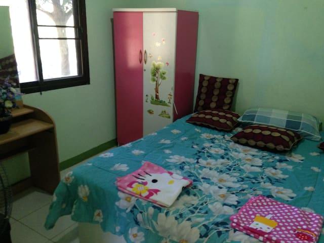 1st. bedroom