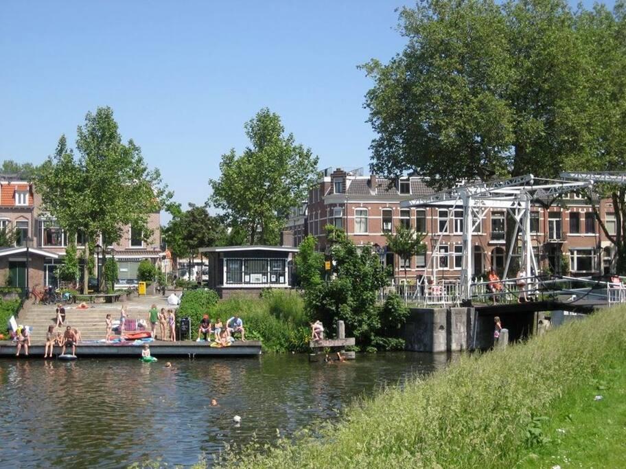Bridge and pontoon around the corner