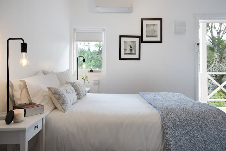 Lake Daylesford Apartment 3 - Perfect for Couples