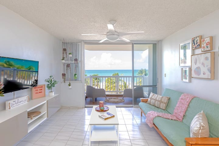 La Sal | Oceanfront | 1 bedroom with Breathtaking Beach Views