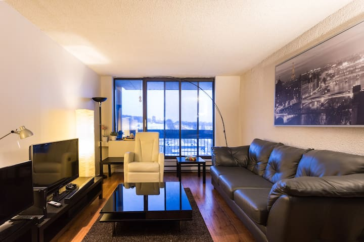 Deluxe Suite in Downtown Montreal