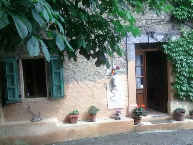 Airbnb Ceps Vacation Rentals Places To Stay