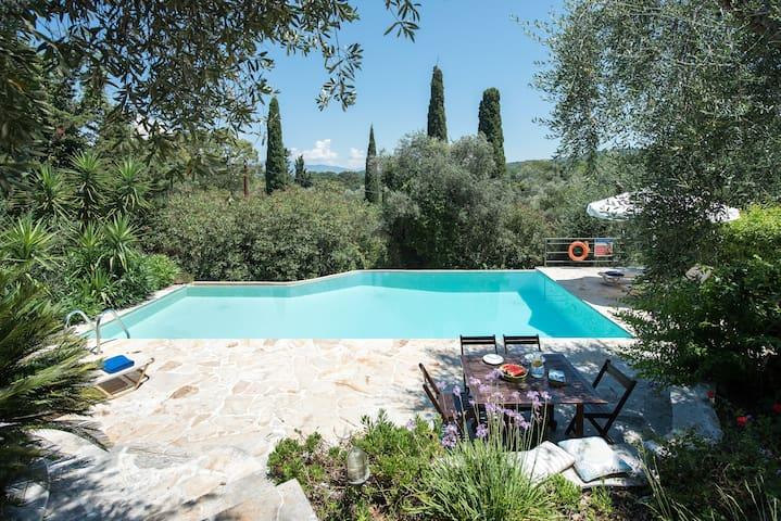 Villa Lofos - Kassiopi Corfu