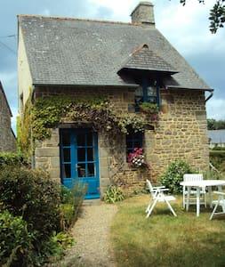 Petite maison en arrière pays du Mont St Michel - Bazouges-la-Pérouse