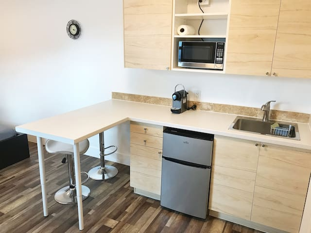 Beautiful room with kitchen and bathroom. Located in excellent area.