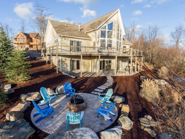Mountain Top Manor - McHenry - Ev