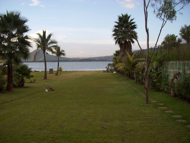 Pacalá, alojamiento a orilla del lago de Amatitlán - Amatitlán - 牧人小屋